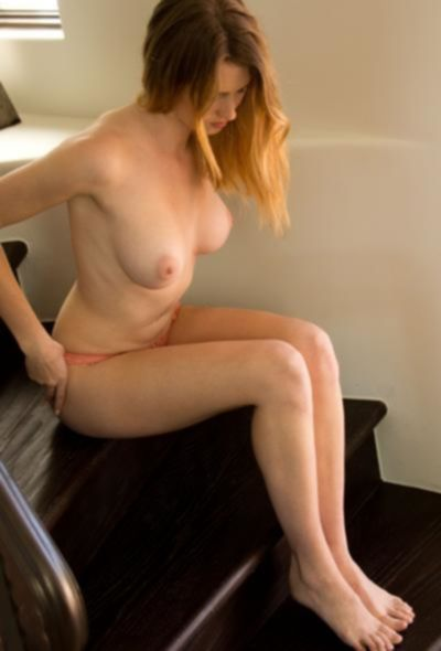 Молоденькая модель Ashley Lane